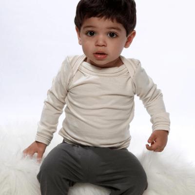 婴儿套头衫